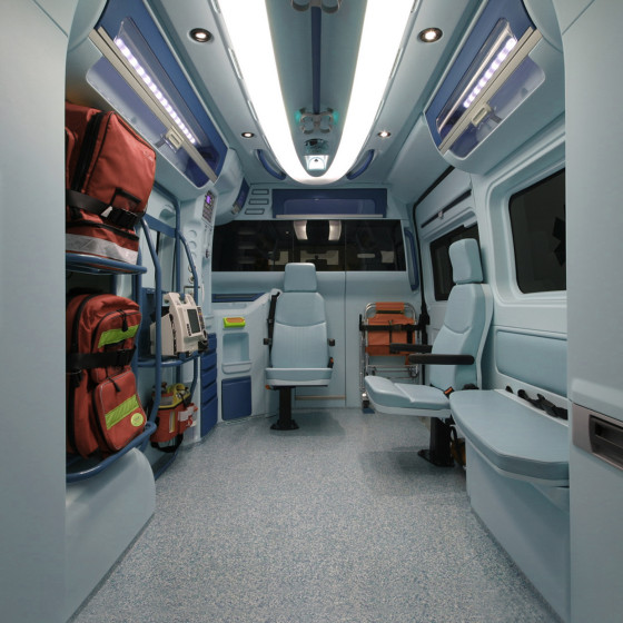 design interieur ambulance aricar zone sanitaire ergonomie